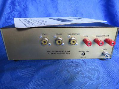 MFJ-949E (Rückseite)